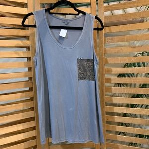 New gray sleeveless top with sequence pocket